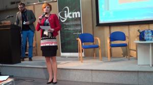 profesor Mirosław Filiciak , dr Justyna Jasiewicz,  Cyfrowe wyzwania. Kompetencje Polaków w obliczu rozwoju nowych technologii fot. ŚWIECZAK