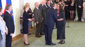 Anna DYMNA Prezydent wręczył odznaczenia państwowe zasłużonym twórcom kultury fot.ŚWIECZAK
