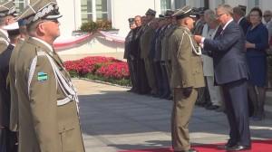 Uroczystość wręczenia nominacji generalskich, odznaczeń i pożegnanie generałów fot.ŚWIECZAK