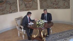 Prezydent spotkał się z Januszem Piechocińskim  fot ŚWIECZAK