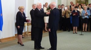 George Walter Handy  Odznaczenia za wspieranie polskiej transformacji fot. ŚWIECZAK