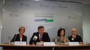Konferencja prasowa , wicepremiera, ministra gospodarki Janusza Piechocińskiego poświęcona inwestycjom w specjalnych strefach ekonomicznych.  fot. ŚWIECZAK