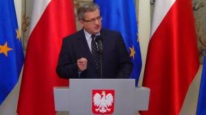 Prezydent RP Bronisław Komorowski spotkał się z konstytucjonalistami - Prezesem Trybunału Konstytucyjnego i byłymi prezesami TK fot. ŚWIECZAK