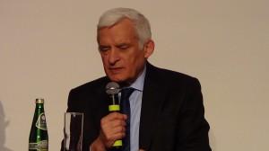 premier Jerzy Buzek VII Ogólnopolski zjazd firm rodzinnych 28 listopad 2014r fot. ŚWIECZAK