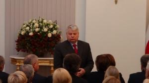 Marszałek Senatu Bogdan Borusewicz Odznaczenia w 33. rocznicę stanu wojennego fot. ŚWIECZAK