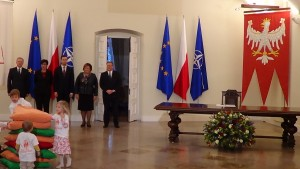 Prezydent podpisał ustawę o Karcie Dużej Rodziny fot. ŚWIECZAK