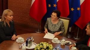 Spotkanie premier Ewy Kopacz z Komisarz UE Elżbietą Bieńkowską ws. sytuacji polskich przewoźników fot. ŚWIECZAK