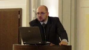 Michał Perliński  Naczelnik wydziału w Ministerstwie Infrastruktury Konferencja konsultacyjna projektu Programu Budowy Dróg Krajowych na lata 2014-2023 fot. ŚWIECZAK