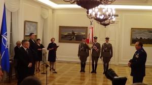 Uroczystość odznaczenia dowódcy sił NATO w Europie fot. ŚWIECZAK