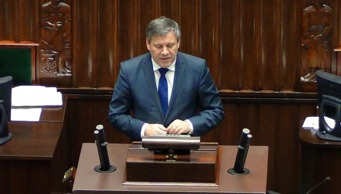 Wicepremier Janusz Piechociński przestawia informację rządu w sprawie węgla fot. ŚWIECZAK