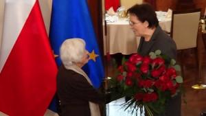 Premier Ewa Kopacz spotka się z aktorką Danutą Szaflarską, która w dniu jutrzejszym obchodzić będzie 100. urodziny. fot.ŚWIECZAK