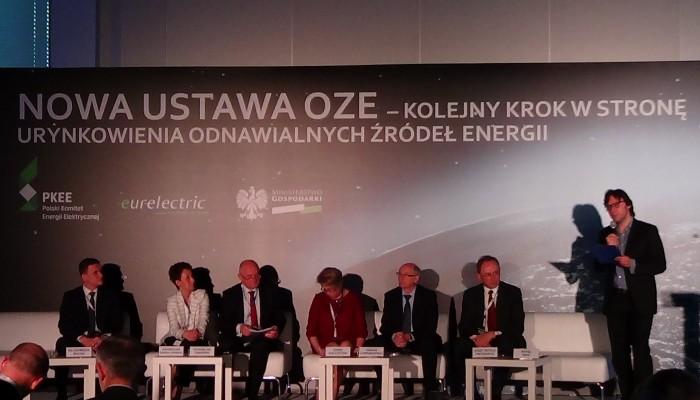 """Konferencja """"Nowa ustawa OZE – kolejny krok w kierunku urynkowienia odnawialnych źródeł energii fot. ŚWIECZAK"""