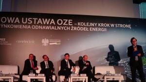 """SESJA II:  USTAWA OZE A UNIJNA POLITYKA KLIMATYCZNA Konferencja """"Nowa ustawa OZE – kolejny krok w kierunku urynkowienia odnawialnych źródeł energii fot. ŚWIECZAK"""