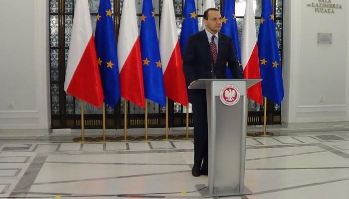 Briefing prasowy marszałka Sejmu Radosława Sikorskiego przed 91. posiedzeniem Sejmu VII kadencji fot.ŚWIECZAK