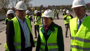 Most Łazienkowski - prace remontowe, wizyta prezydent Hanny Gronkiewicz-Waltz i  dziennikarzy. fot. ŚWIECZAK