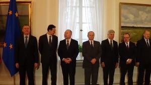 Prezydent Komorowski podpisał  ustawę o kierowaniu obroną państwa w czasie wojny fot. ŚWIECZAK
