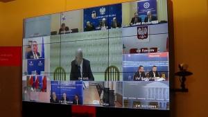 Telekonferencja premier Ewy Kopacz z wojewodami fot.ŚWIECZAK