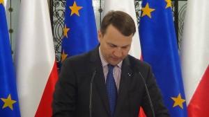 Briefing prasowy marszałka Sejmu Radosława Sikorskiego przed 93 posiedzeniem Sejmu fot. ŚWIECZAK