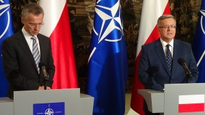 Spotkanie prezydenta Bronisława Komorowskiego z sekretarzem generalnym NATO fot. ŚWIECZAK