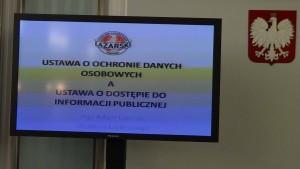 Dostęp do informacji publicznej w praktyce samorządu terytorialnego fot. ŚWIECZAK