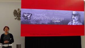 """Olga Topol, Instytut Józefa Piłsudskiego w Londynie V seminarium w ramach projektu """"Archiwa Przełomu 1989 – 1991"""" w Senacie fot. ŚWIECZAK"""