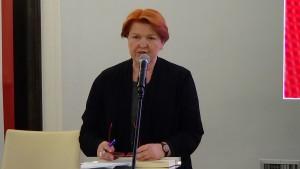 """dr Anna Buchmann, dyrektor Muzeum Polskiego w Rapperswilu V seminarium w ramach projektu """"Archiwa Przełomu 1989 – 1991"""" w Senacie fot. ŚWIECZAK"""