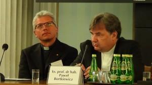 """Konferencja naukowa """"Zrównoważony rozwój i zmiany klimatyczne w świetle Encykliki Ojca Świętego Franciszka Laudato Si"""" fot. ŚWIECZAK"""