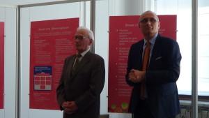 """Wystawa w Senacie """"Możemy i powinniśmy lepiej leczyć raka piersi"""" fot. ŚWIECZAK"""