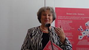 """senator Dorota Czudowska Wystawa w Senacie """"Możemy i powinniśmy lepiej leczyć raka piersi"""" fot. ŚWIECZAK"""