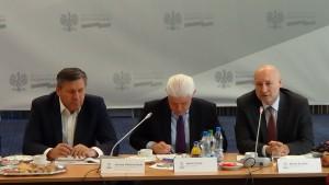 Wicepremier Piechociński: Branża motoryzacyjna zwiększa nakłady inwestycyjne fot. ŚWIECZAK