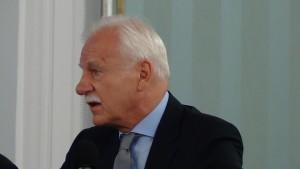 Andrzej Olechowski,  były minister spraw zagranicznych Dzień Azji i Pacyfiku w Sejmie fot. ŚWIECZAK