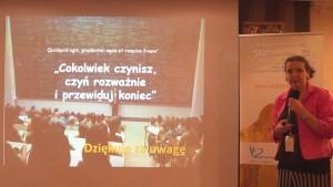 dr n.med. Edyta Biernat-Kałuża II Konferencja Naukowa Witamina D – eliksir zdrowia fot. ŚWIECZAK