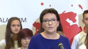 Premier Ewa Kopacz Podpisano Pakt Społeczny Przeciw Dopalaczom fot. ŚWIECZAK