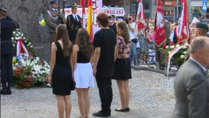 71. rocznica masakry mieszkańców Woli przy pomniku Pamięci 50 tysięcy Mieszkańców Woli Zamordowanych przez Niemców podczas Powstania Warszawskiego 1944 fot. ŚWIECZAK