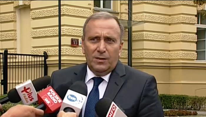Grzegorz Schetyna Minister spraw zagranicznych Schetyna: nieszczęśliwa wypowiedź Dudy. Jeżeli ktoś robi politykę zagraniczną przez media, to musi się liczyć z tym, że zaliczy twarde lądowanie fot. ŚWIECZAK