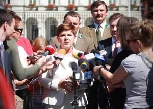 Beata Szydło Wiceprezes PiS Spotkanie prezydenta z inicjatorami referendów obywatelskich fot. ŚWIECZAK