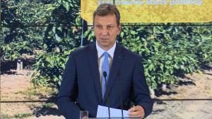 Andrzej Halicki Minister administracji i cyfryzacji Rząd przeznaczy 488 mln zł na pomoc dla rolników dotkniętych suszą fot. ŚWIECZAK