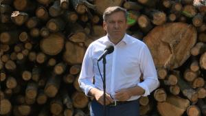 Janusz Piechociński Wicepremier, Minister Gospodarki Premier zapowiada nowelizację ustawy o Lasach Państwowych fot. ŚWIECZAK