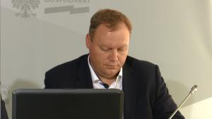 Tomasz Dąbrowski, Dyrektor w Departamencie Energetyki w Ministerstwie Gospodarki Piechociński: dostawy energii zgodne z planem fot. ŚWIECZAK