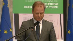 Artur Nowak Far MSZ 30-lecie Europejskiej Karty Samorządu Lokalnego fot. ŚWIECZAK