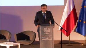 Janusz Piechociński Wicepremier, Minister Gospodarki Europejska Motoryzacja – cele, wyzwania, możliwości fot. ŚWIECZAK