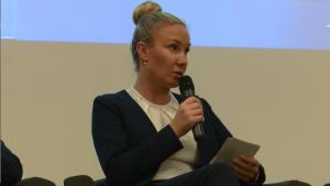 Agnieszka Kozłowska-Korbicz MOŚ III spotkanie grupy roboczej ds. OZE i efektywności energetycznej wokół Platformy Zrównoważona Energia fot. ŚWIECZAK