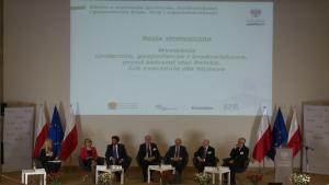 """Konferencja """"Biznes a wyzwania społeczne, środowiskowe i gospodarcze kraju. Rola i odpowiedzialność"""" fot.ŚWIECZAK"""