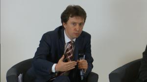 """Piotr Otawski, Podsekretarz Stanu w Ministerstwie Środowiska Konferencja """"Biznes a wyzwania społeczne, środowiskowe i gospodarcze kraju. Rola i odpowiedzialność"""" fot.ŚWIECZAK"""