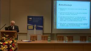 Prof. dr hab. Zbigniew Szawarski Innowacje w systemie szczepień ochronnych – obraz Polski na tle Europy w dostępie do szczepień fot. ŚWIECZAK