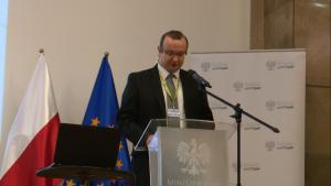 """Marcin Gasiuk Komisja Europejska Konferencja """"Doświadczenia z wdrażania funduszy europejskich 2007–2013 w sektorze energetyki w ramach POIiŚ"""" fot. ŚWIECZAK"""