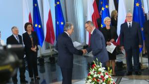 Adam Krzysztof Abramowicz Nowi posłowie odebrali zaświadczenia PKW o wyborze fot. ŚWIECZAK