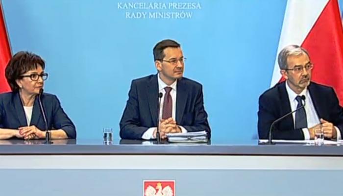 Morawiecki: ratujemy 9 miliardów euro ze środków unijnych fot. ŚWIECZAK