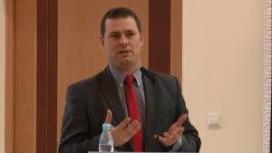 """dr Piotr Starzyński Konferencja prokuratora Generalnego - """"Nowe środki ochrony i pomocy dla ofiar"""" fot. ŚWIECZAK"""