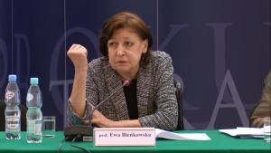"""prof. Ewa Bieńkowska Konferencja prokuratora Generalnego - """"Nowe środki ochrony i pomocy dla ofiar"""" fot. ŚWIECZAK"""